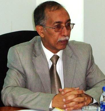 """أنباء عن توافق القوى السياسية على تسمية """" مطهر """" رئيساً للوزراء"""