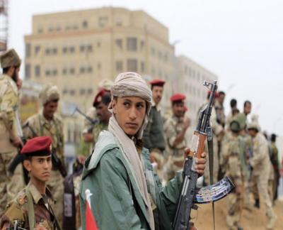 أثناء إقتحام مقر الفرقة الأولى مدرع .. جماعة الحوثي تعدم 200 جندي من جنود الفرقة