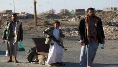 انتهاكات الحوثيين لا تستثني أحداً : اقتحام ونهب للمنازل والمقرات