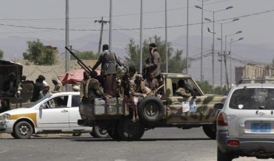 """تفاصيل المواجهات المسلحة بين حراسة منزل """" الأحمدي"""" رئيس جهاز الأمن القومي ومسلحين حوثيين والتي خلفت قتلى وجرحى"""
