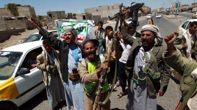 مسلحون حوثيون يقتلون ضابطاً من الجيش بصنعاء رفض تسليم سلاحه