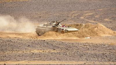 فتحي بن لزرق يكشف عن تعزيزات عسكرية كبيرة من عدن ولحج وأبين صوب مأرب ولكن ليس من أجل صد الهجوم على مأرب !