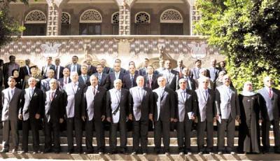تعرف على حكومات الجمهورية اليمنية، « مسيرة الحكومة اليمنية في ربع قرن فشل سياسي وفساد مالي وإداري »