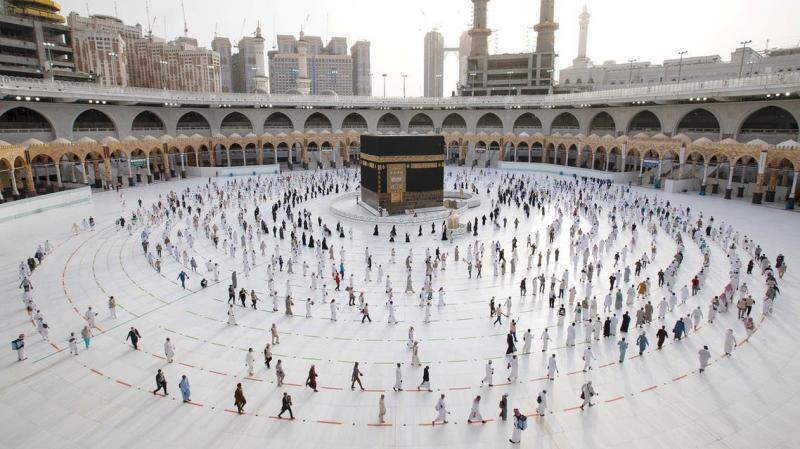 السعودية تعلن قصر الحج لهذا العام للمواطنين والمقيمين فقط .. وتكشف الضوابط والشروط