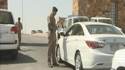 الداخلية السعودية تعلن اعتقال مُسلح قتل أميركياً وأصاب آخر في الرياض - وتكشف عن جنسيته