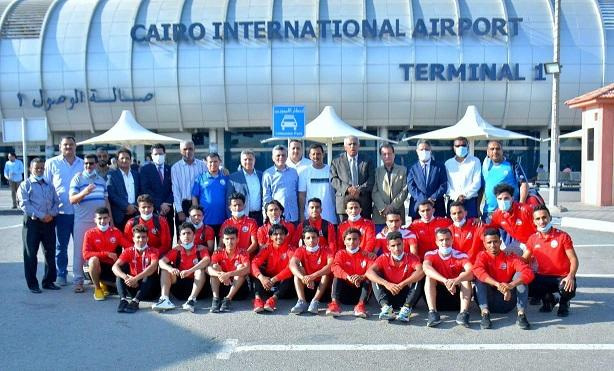 منتخب اليمن للشباب لكرة القدم يصل الى القاهرة ( صوره)