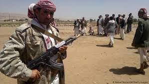 الحوثيون يدشنون جولة جديدة من العنف لفرض شروط وقف الحرب