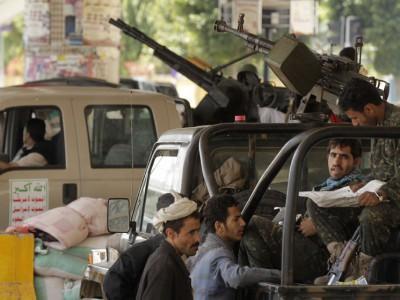 الحوثيون يسيطرون على موانئ ونفط اليمن