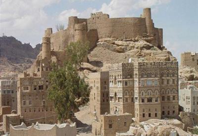 رجال القبائل يستعيدون بعض المناطق الهامة التي سيطر عليها الحوثيون برداع و يتوافدون إلى جبهات القتال ويعتبرون الدفاع عن مناطقهم أمر مصيري