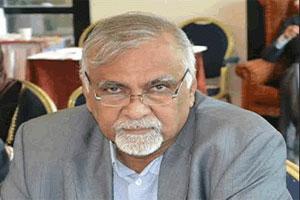 """مستشار الرئيس هادي """" مكاوي """" يُحذر من وضع كارثي قادم على اليمن ويُحمل الحوثيون المسؤولية"""
