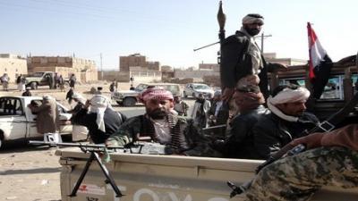مسلحوا القبائل يشنون هجوماً على نقطة تابعة للحوثيين وسط قيفه برداع وأنباء عن قتلى وجرحى