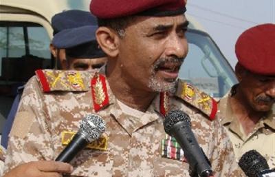 """وزير الدفاع  اللواء """" الصبيحي """" يؤكد أن قوات الجيش والأمن ستستعيد دورها في حماية الوطن"""