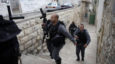 مقتل 5 إسرائيليين وجرح آخرين  قرب كنيس يهودي