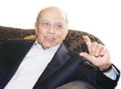 """مدير مكتب عبد الملك الحوثي """" المشاط"""" يهاجم الدكتور الإرياني ويصفه بالعمالة واللاوطنية ويقول : سكت دهراً ونطق شراً"""