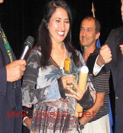 مُخرجه يمنية تفوز بجائز أفضل فيلم روائي في مهرجان دبي السينمائي ( صورة)