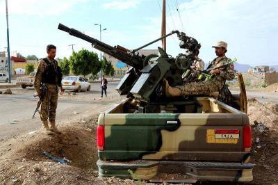 إستنفار ورفع الجاهزية العسكرية في أوساط  وحدات الجيش بصنعاء والحوثيون يستمرون في إقتحام المؤسسات الحكومية