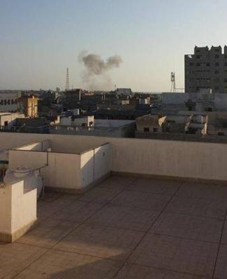 هجوم إنتحاري إستهدف منزل اللواء علي محسن الأحمر بالحديدة والقاعدة تتبنى العملية وتتحدث عن عشرات القتلى من الحوثيين( تفاصيل)