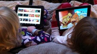 الأجهزة اللوحية تحرم الأطفال من النوم