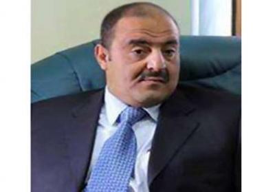 """مسلحون حوثيون يقتحمون منزل رئيس تحرير صحيفة الثورة الرسمية """" فيصل مكرم """" ويجبرونه على الإستقالة - ووزارة الإعلام تصدر بياناً  هاماً"""