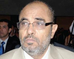 العسلي : رحلات مستشاري هادي إلى الحوثي خيانة للشعب وأن الشعب اليمني لن يستسلم للسيد ولا لغيره ( تفاصيل)
