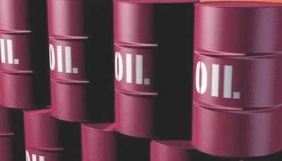 النفط يهوي لأقل سعر في 6 سنوات وسط ضبابية مواقف المنتجين