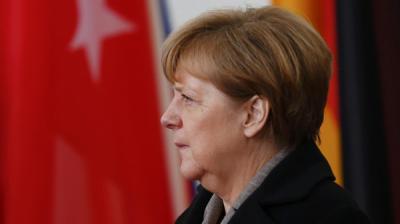 """المستشارة الألمانية """"ميركل""""  تشارك مسلمي ألمانيا بمسيرة ضد الـ""""إسلاموفوبيا"""""""