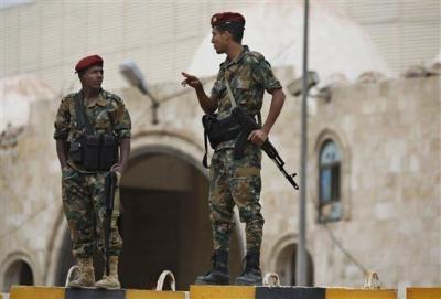 الحوثيون يعتقلون نجل شقيق الرئيس هادي بصنعاء
