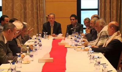 بعد أن فشلت في إجتماعها يوم أمس .. القوى السياسية اليمنية تبحث اليوم عن الفرصة الأخيرة لإنتقال السلطة