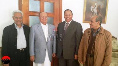 الرئيس هادي يتمسك بإستقالته ويكشف السبب في عدم مغادرته إلى عدن