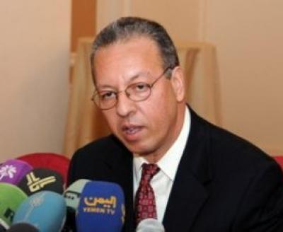"""جمال بنعمر يكشف عن موقفه من """"الإعلان الدستوري الحوثي """" ويقول أن الوضع خطير جداً"""
