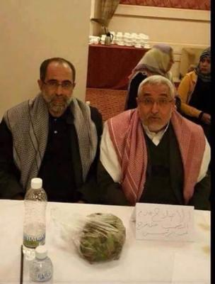 (صورة ) القيادي الإصلاحي محمد قحطان يحتج بطريقته الخاصة في حوار موفمبيك مساء اليوم