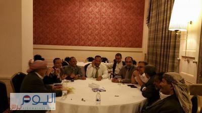 تهديدات وإنسحابات في حوار موفمبيك وأحزاب تؤيد عودة هادي وأخرى ترفض ( تفاصيل)