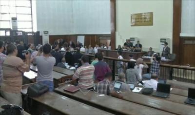 الإعدام لأربعة من قياديي الإخوان والمؤبد لـ14 بينهم المرشد