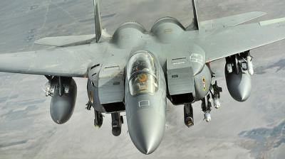"""سقوط  طيارين سعوديين قفزا من طائرتهما فوق البحر أثناء تنفيذ عملية """" عاصفة الحزم """""""