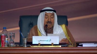 أمير الكويت يفتتح أعمال القمة العربية ويقول : استنفدنا كل السبل لحل أزمة اليمن