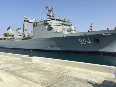 ( شاهد بالصور) عملية إجلاء القوات البحرية السعودية لـ 86 دبلوماسي سعودي وعربي وغربي من عدن