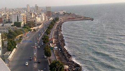 عاجل : غارات جويه على مواقع عسكرية بمحافظة الحديدة