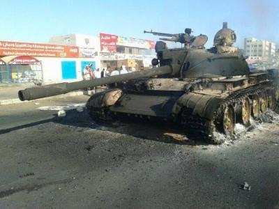 معارك عنيفة بين الحوثيين واللجان الشعبية الجنوبية بعدن بعد محاولة الحوثيين إحكام السيطرة على المعلا وكريتر( تفاصيل)