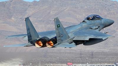 طائرات التحالف تشن غارات جوية على مواقع عسكرية بالعاصمة صنعاء والدفاعات الأرضية ترد