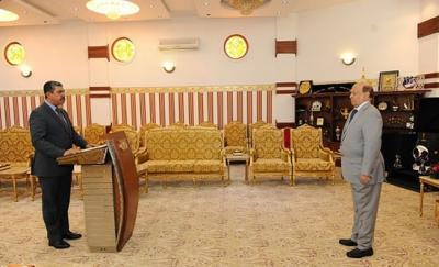 مصادر تكشف عن المكان الذي سيؤدي فيه نائب رئيس الجمهورية الجديد اليمين الدستورية أمام الرئيس هادي