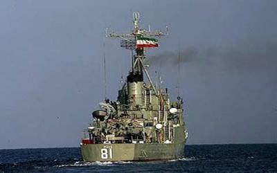 قائد القوات البحرية الإيرانية يكشف حقيقة مغادرة السفن الحربية الإيرانية خليج عدن