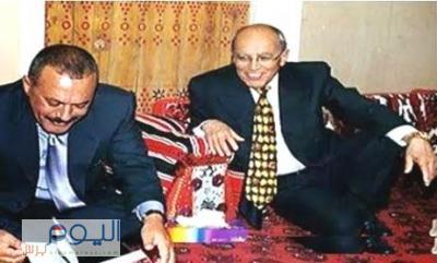 """الرئيس السابق """" صالح """" يحذر من الإساءة للدكتورالإرياني وقيادات المؤتمر وقيادي حوثي يرد على """" صالح """" ويصفه بالخائن"""