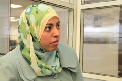 """وزيرة الإعلام """" نادية السقاف """" تبشر اليمنيين بإنفراج أزمة المشتقات النفطية وبدء أعمال الإغاثة في اليمن"""