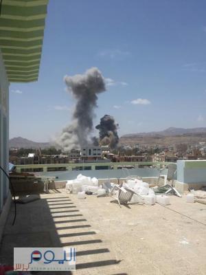 """يحدث الأن : غارات جديدة على منزل الرئيس السابق """" صالح """" من قبل طائرات التحالف  ( صورة)"""