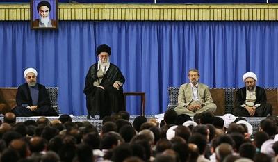 """مرشد الثورة الإيرانية """" علي خامنئي"""" يصف النظام السعودي بأنه أسوأ من المشركين"""