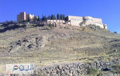 """إستهداف منزل الرئيس السابق صالح بمسقط رأسه """" حصن عفاش"""""""