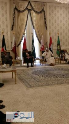 صورة حصرية  للقاء الذي جمع  قبل قليل الزياني مع القوى السياسية والأحزاب اليمنية