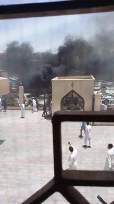قتلى في تفجير أمام مسجد في السعودية ( تفاصيل - صور التفجير )