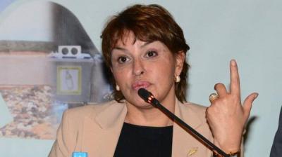 وزيرة مغربية : التحدث بالعربية يسبب لي ارتفاعاً بالحرارة