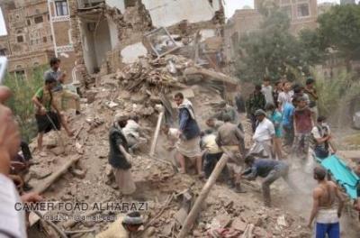عسيري ينفي إستهداف منازل بصنعاء القديمة والسلطات المحلية ومواطنون يؤكدون الإستهداف